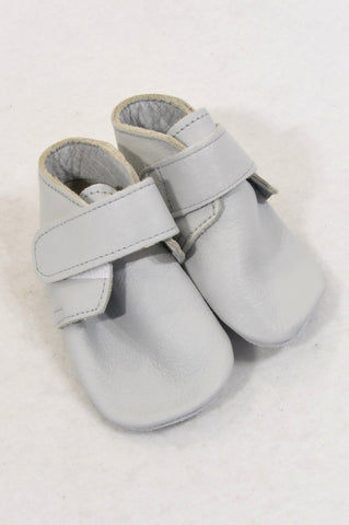 Shooshoos Size 2 Grey Leather Boots Unisex 0-6 months