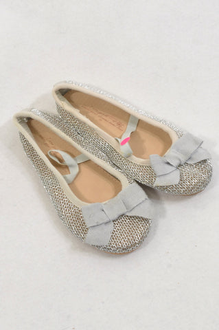 Zara Size 8 Silver Bow Shoes Girls 2-3 years