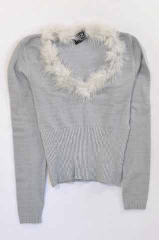 New World Wide Wear Grey Knit Fluffy Trim Jersey Women Size 10