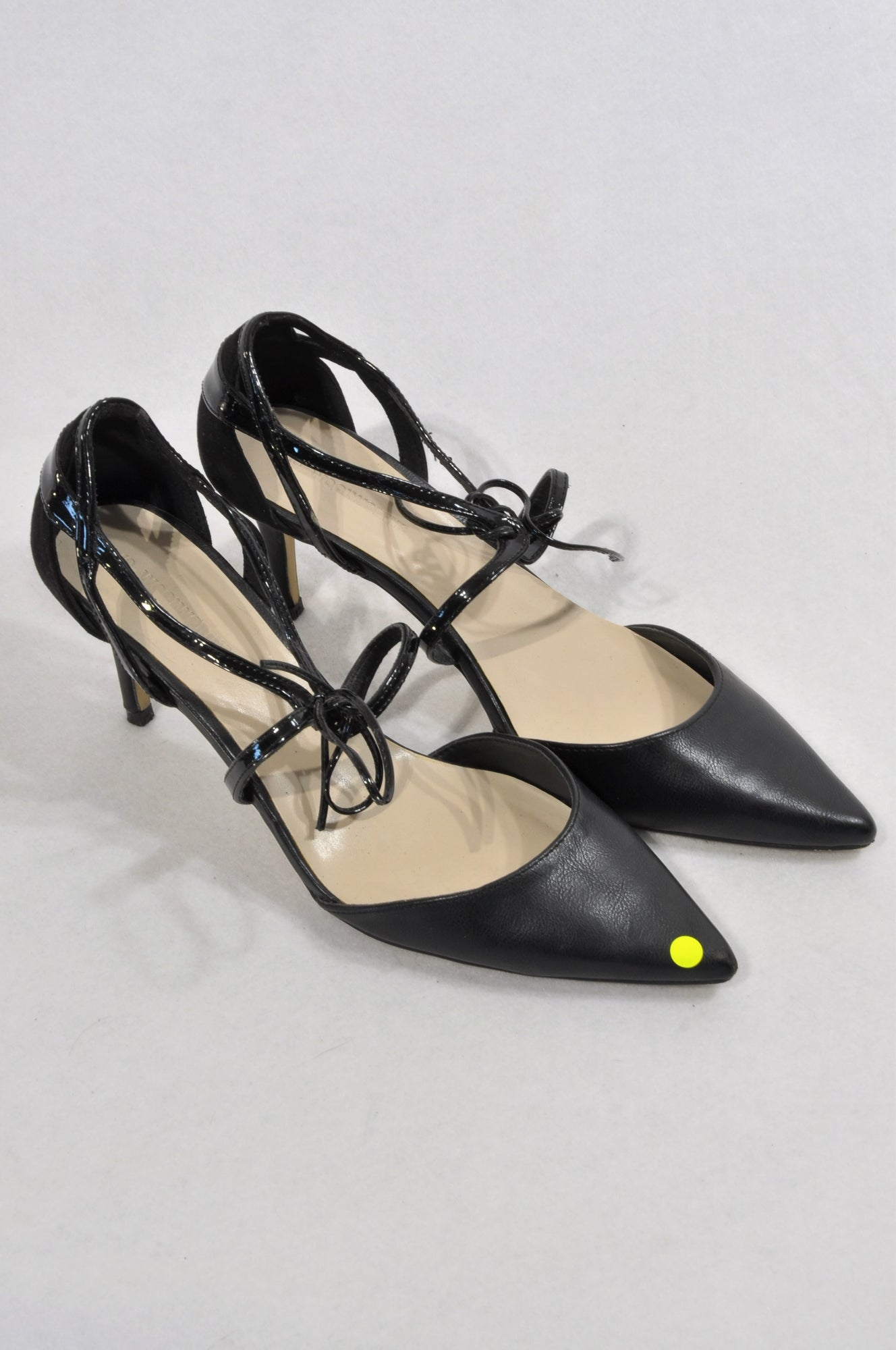 Woolworths Black Pointed Toe Tie Shoes Women Size 6