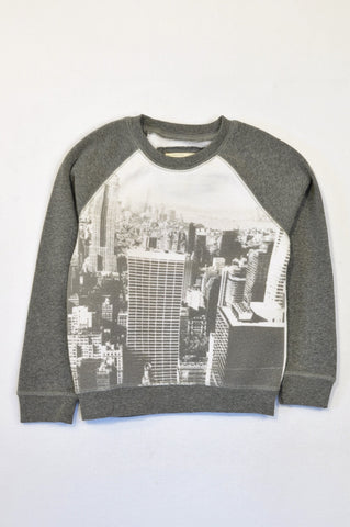 Pick 'n Pay White & Grey City Pull Over Top Boys 6-7 years