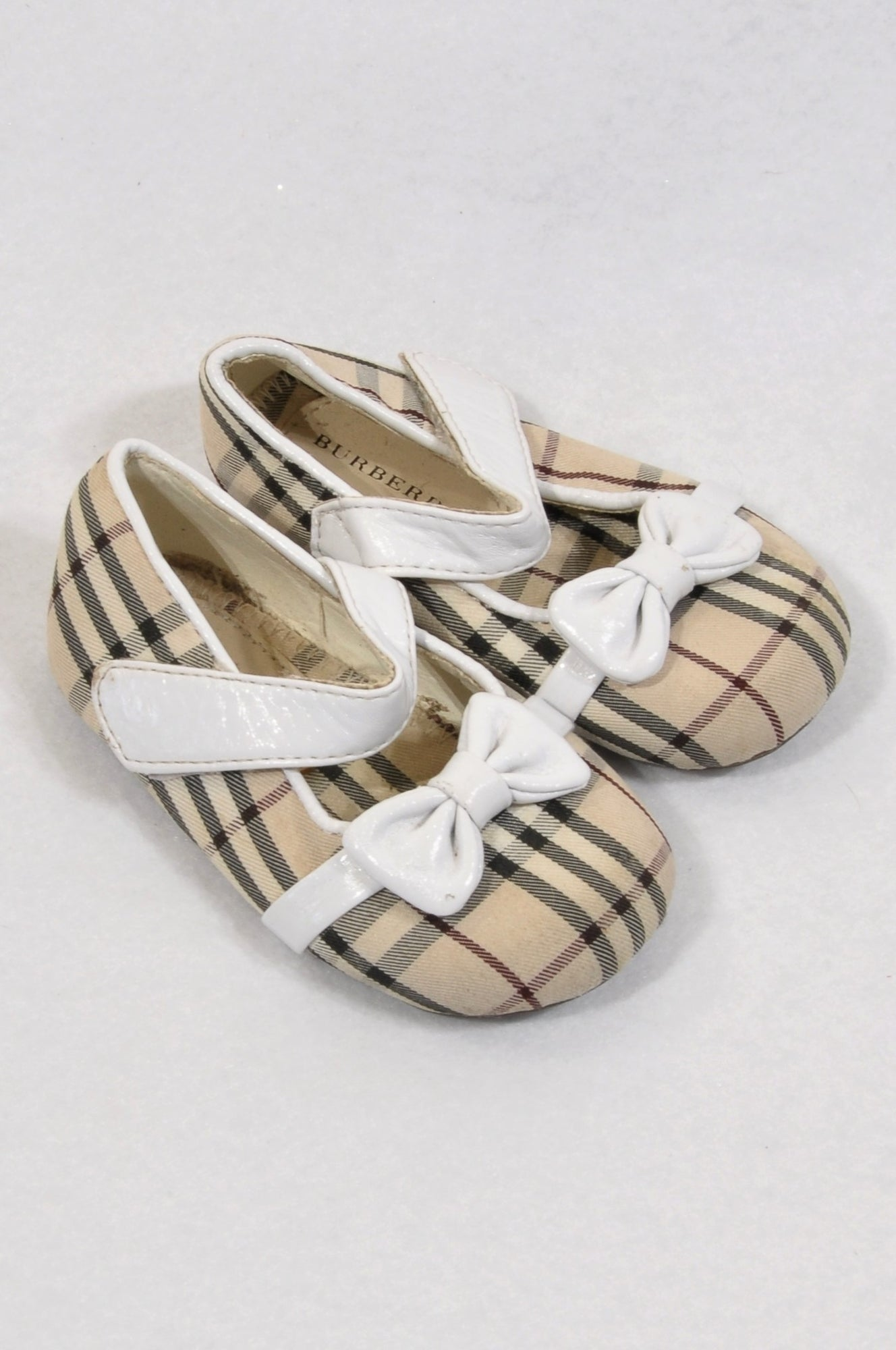 Burberry Size 3 Beige Plaid Mary Jane Shoes Girls 9-12 months