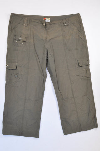 Pick 'n Pay Olive Lightweight Cargo 3/4 Pants Women Size 20