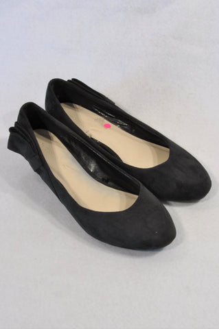 Woolworths Black Faux Suede Bow Wedge Shoes Women Size 7