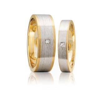 Two-tone Flat Princess Cut Diamond Matching Wedding Rings, with Grain Parallel Finish