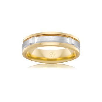 Classic men's wedding ring in white gold with outer edges of yellow gold