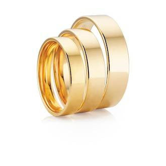 Classic Flat Round Shaped Wedding Ring