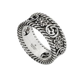Interlocking G ring in Aged Sterling Silver