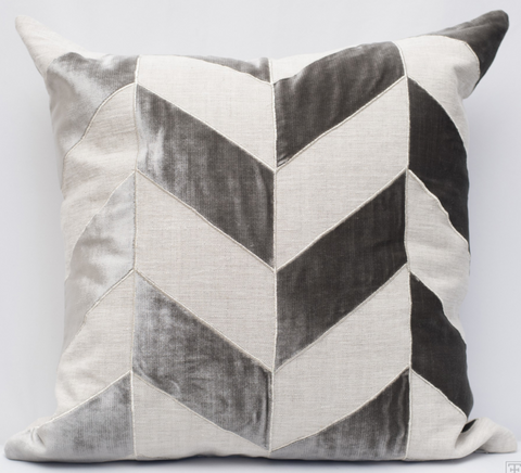Evora Pillow - Gray