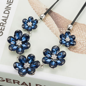 Charming Floral Necklace