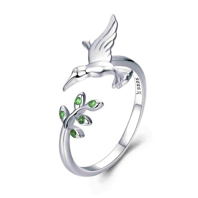 Elegant Feeding Bird Silver Ring