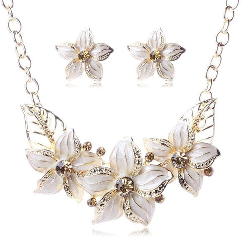Alluring White Flower EMS Support Jewelry Set