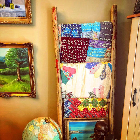 maritimevintageDIY Quit Rack Project Idea We Repurpose Vintage Apple Orchard 🍎 Ladders Into Boho Chic Quilt Racks DIY Decor Hack | Some Great Vintage Maritime Quilts Displayed 🍎🍏🍎🍏🍎🍏🍎🍏🍎🍏🍎🍏 #quilt #quilts #quilting #quilter #quiltingfabric #quiltrack #vintagequilts #maritimevintage #diydecor #diydecoration #hacks #livingroomdecor #projects