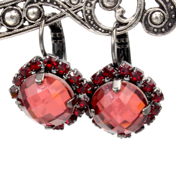 Lady in Red Square Checkerboard Cut Crystal Earrings in Gray