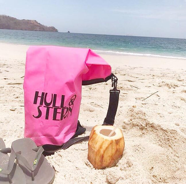 Hull Stern in Costa Rica by Kira Neuhofen
