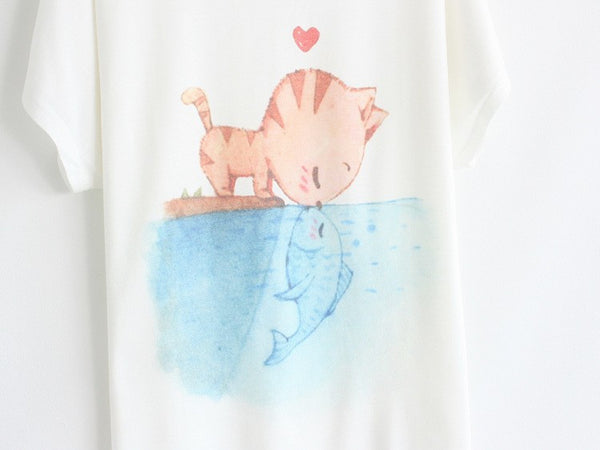 Adorable Cat Kissing Fish Shirt - PawMerch