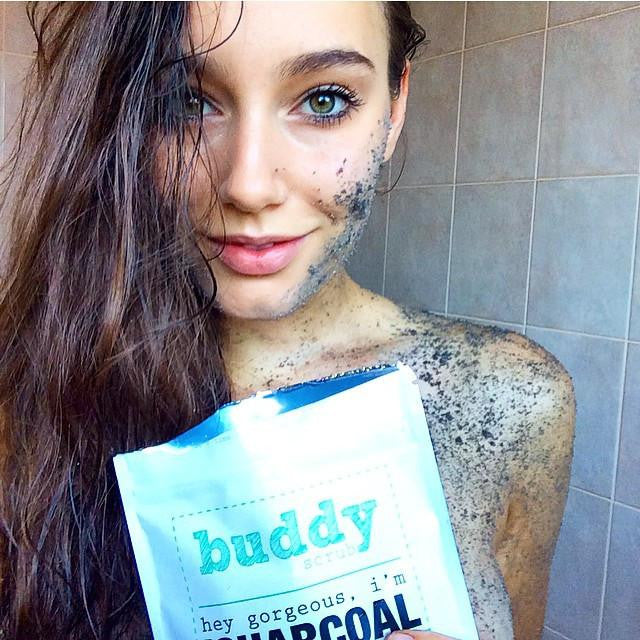 Activated Charcoal Body Scrub - Daría