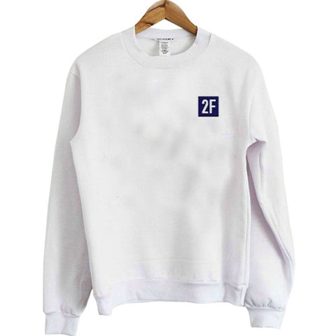 2F aesthentic white color sweatshirt