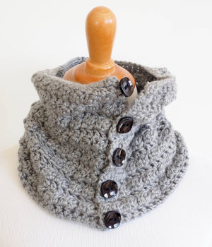 Easy Cowl Crochet Pattern