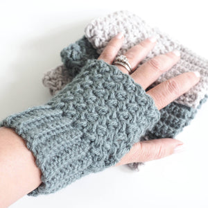 Easy Elizabeth Stitch Fingerless Gloves Crochet Pattern
