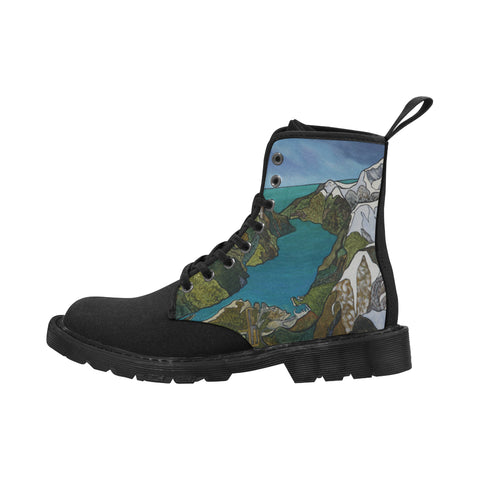 Milford Sound with Black Sole Boots