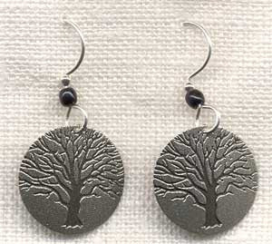 Round Silvertone Family Tree Earring with black bead