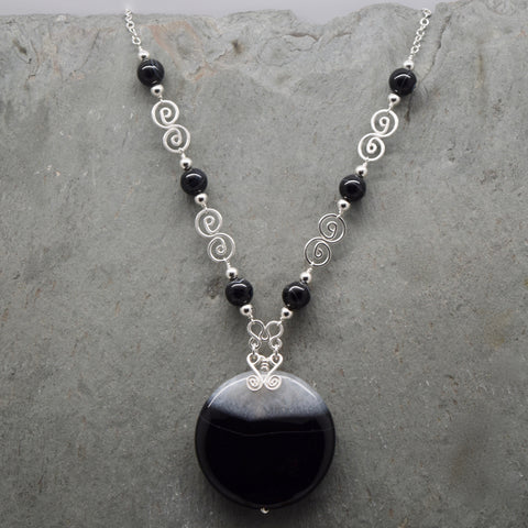 Jatun Round Sardonyx Black and White Necklace