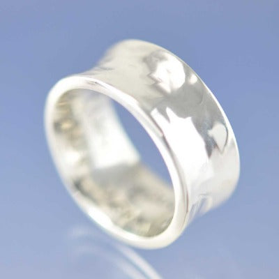 Anti-Clastic Hammered Ring with Cremation Ashes