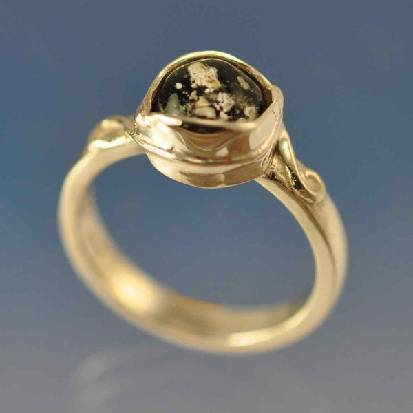 Cremation Ash Leaf Diamond Glass Ring