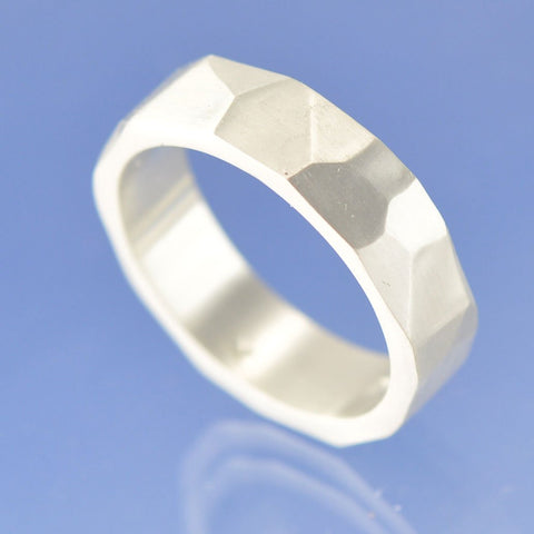 Facet Ring with Cremation Ashes