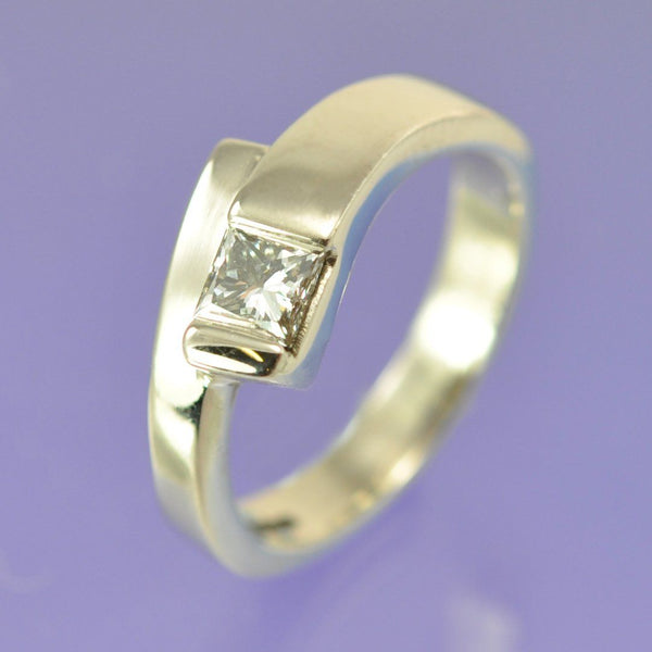 Fly-by Diamond Ring
