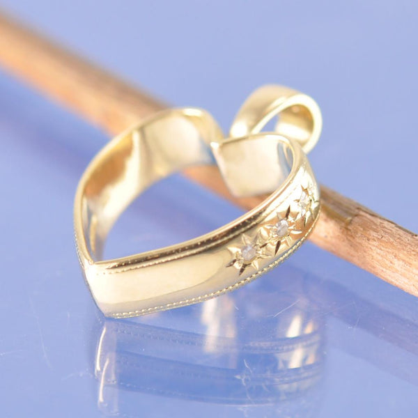 Re-style your own wedding ring.