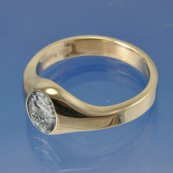 Cremation Ash Traditional Signet Glass Ring