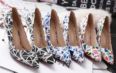 Trendy Triangle Print Point Toe Low Heels