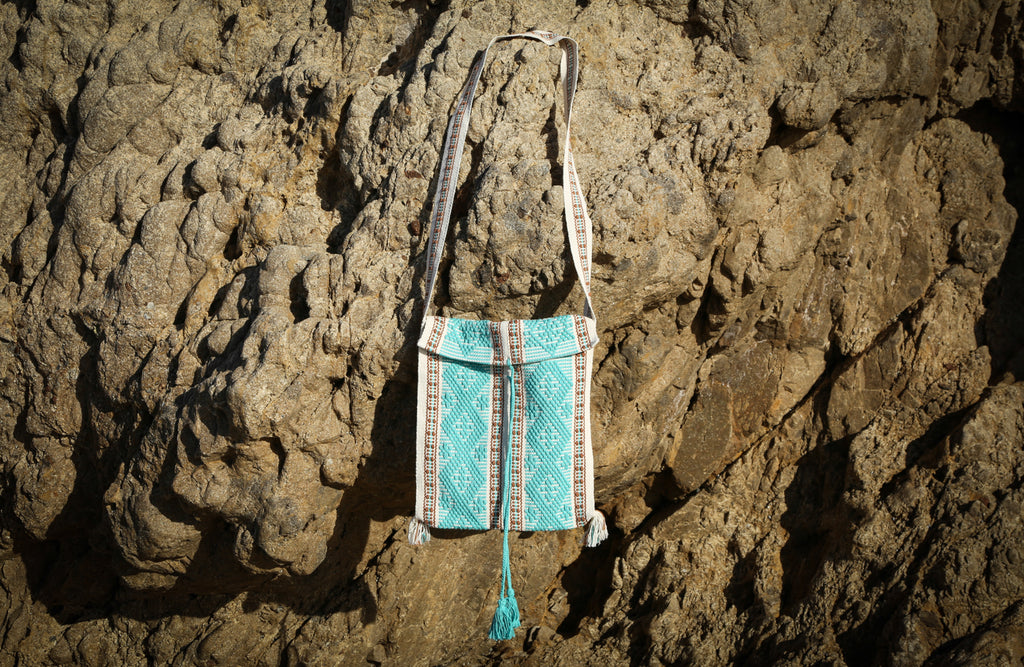 BOLSA BORDADO NEUTRAL IVORY & AQUA GREEN