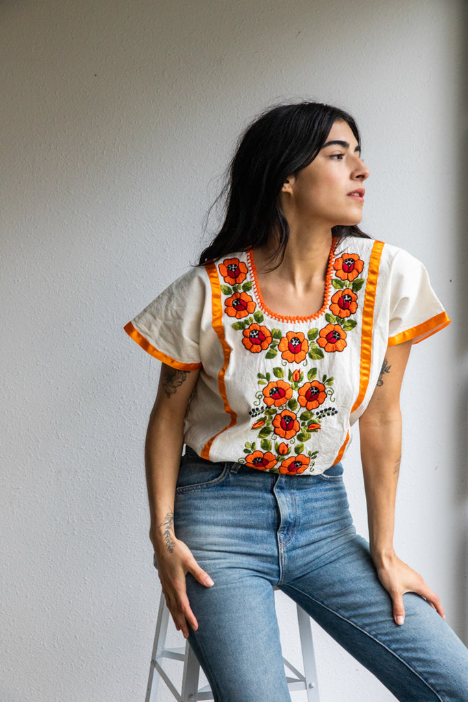 TANGERINE FLORAL EMBROIDERED BLOUSE
