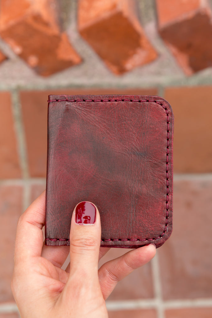 LEATHER CARDHOLDER WALLET // MERLOT