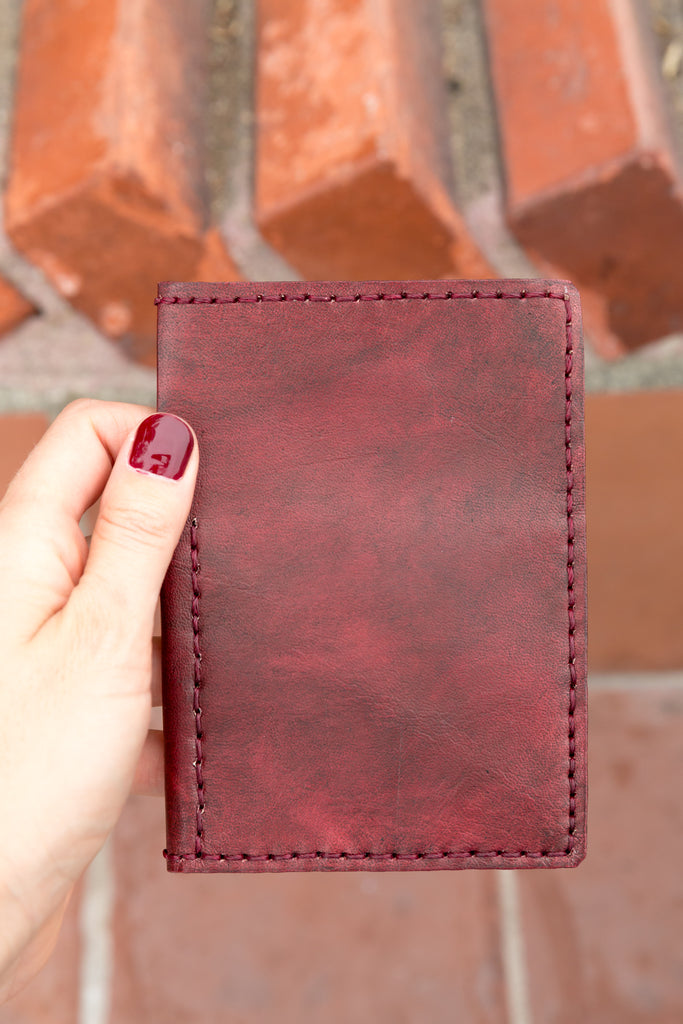 LEATHER PASSPORT CASE // MERLOT