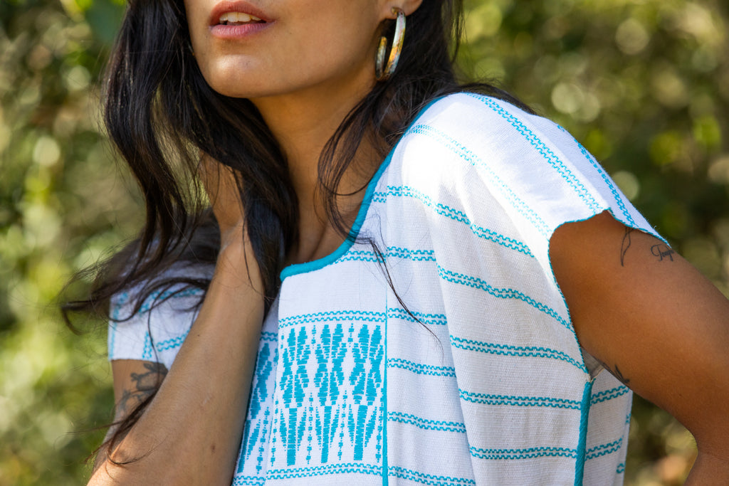 FRANCISCA CROP TOP // WHITE WITH TURQUOISE