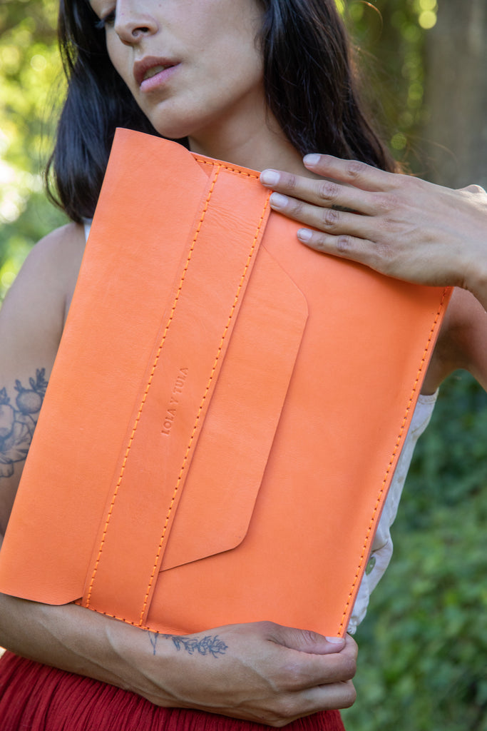 LEATHER LAPTOP SLEEVE // TANGERINE
