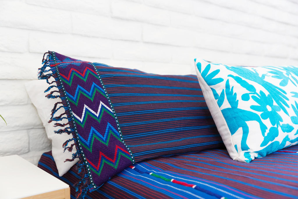 COBALT + TURQUOISE WOVEN BEDSPREAD WITH KING SIZE WOVEN PILLOWS