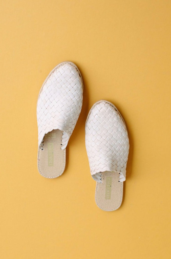 HAND WOVEN LEATHER SLIDES // CREAM