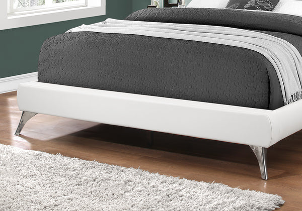 Bed - Queen Size / White Leather-Look With Chrome Legs