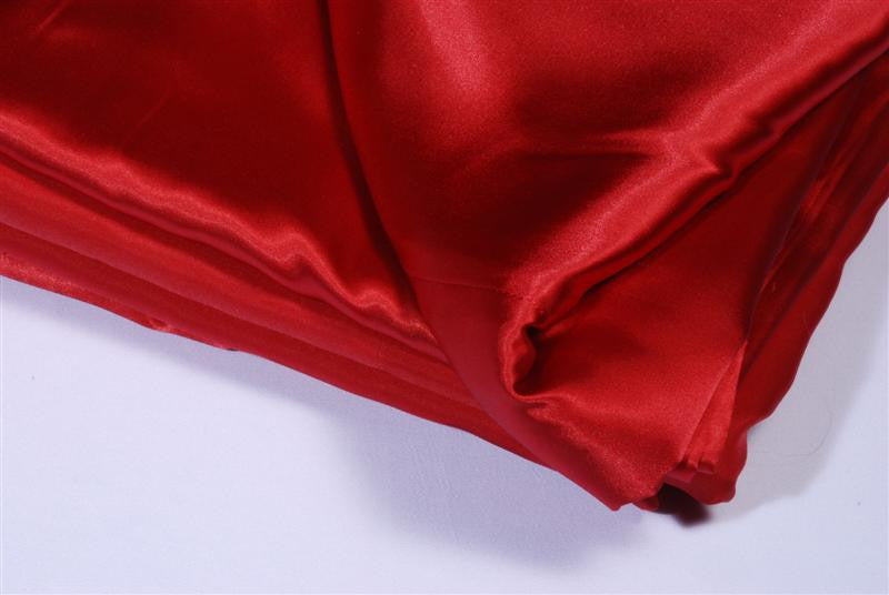 Table cloth- 90x90 red satin
