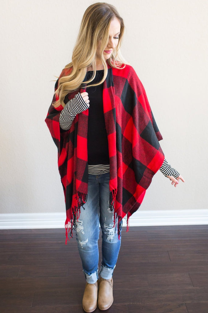 Lola Buffalo Plaid Poncho (Red or White)