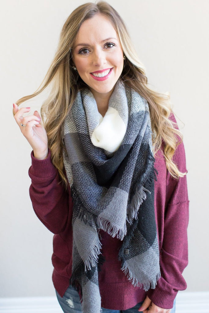 Lucy Blanket Scarf (black or pink)