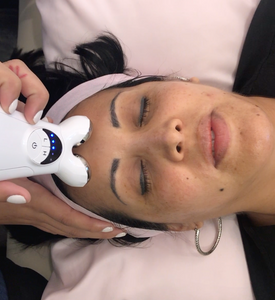 Micro current Anti Aging Facial Session