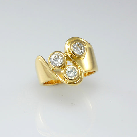 modern diamond ring gold
