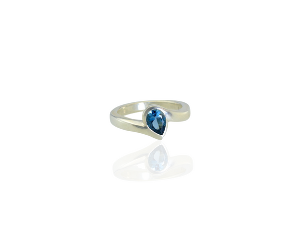 pear-shape blue topaz silver ring