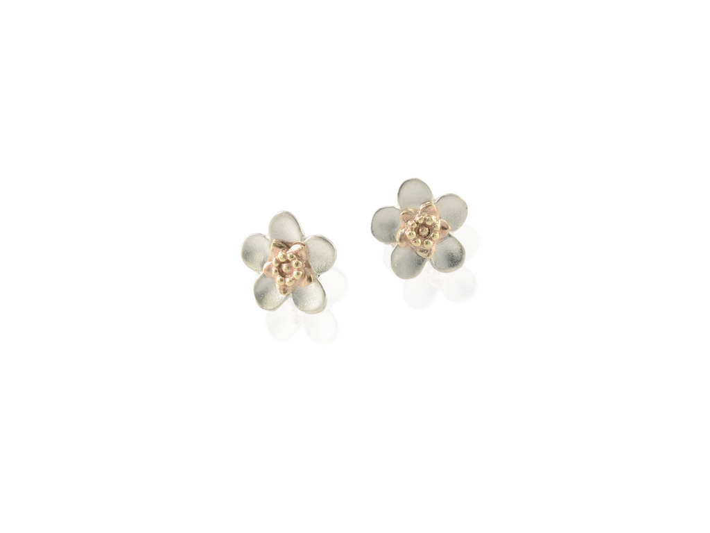 manuka flower stud earrings in silver and gold